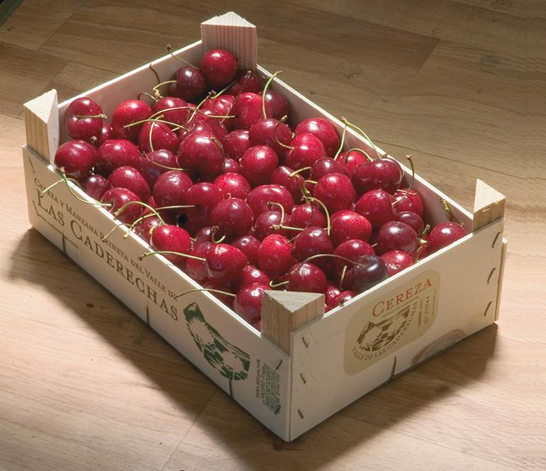 Cerezas y manzanas reinetas directas de Las Caderechas