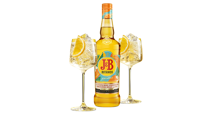 J&B Botánico, el whisky de siempre con un toque mediterráneo para el aperitivo y tardeo