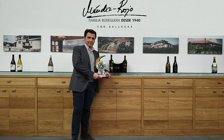 Las bodegas Méndez-Rojo reciben un premio por su promoción de la gastronomía gallega