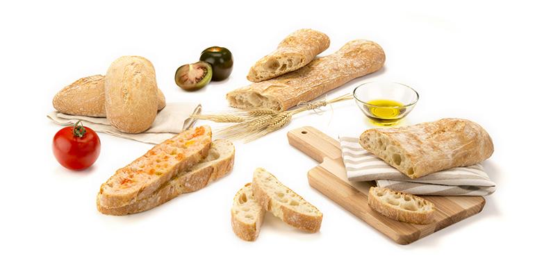 Bastón cantábrico y chapatón, dos panes crujientes y de corteza fina