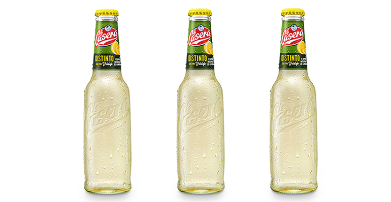 Distinto, el tinto de verano se pasa al blanco con verdejo y zumo de limón natural