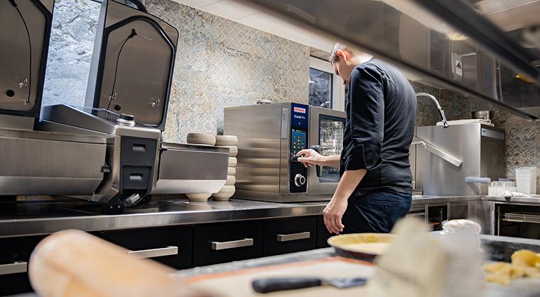 Equipos inteligentes Rational: qué beneficios aportan a la sostenibilidad en cocina