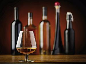 Bebidas espirituosas: el sector advierte que pierde siete de cada diez consumiciones  por el Covid-19