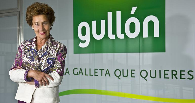 gullon-medalla-merito-trabajo-presidenta-galletas
