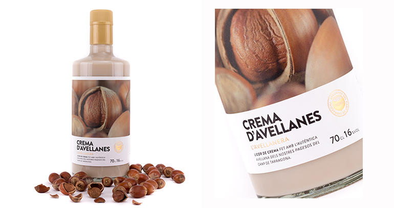 Licor de crema de avellanas con el mejor fruto seleccionado y delicado sabor