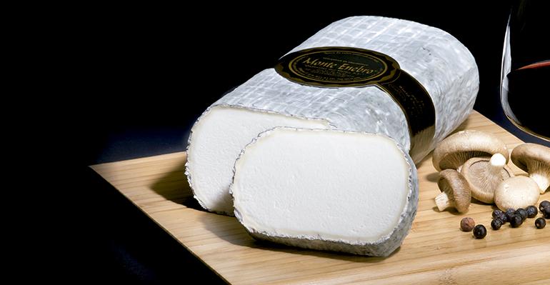 Monte Enebro, un queso de inusitada cremosidad y sabor puro