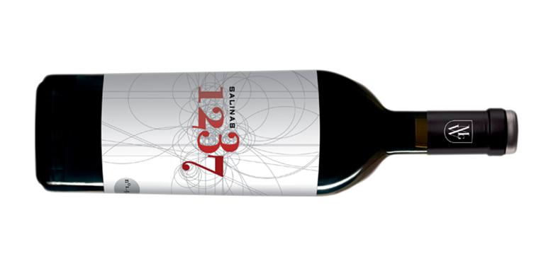 1237 Salinas, un elegante coupage de Alicante Bouschet, Cabernet Sauvignon y Monastrell