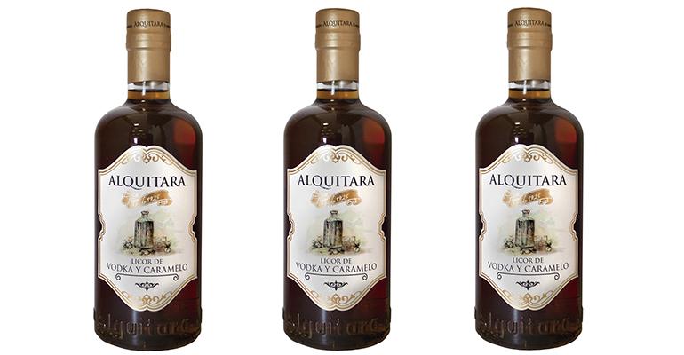 Licor de vodka y caramelo Alquitara
