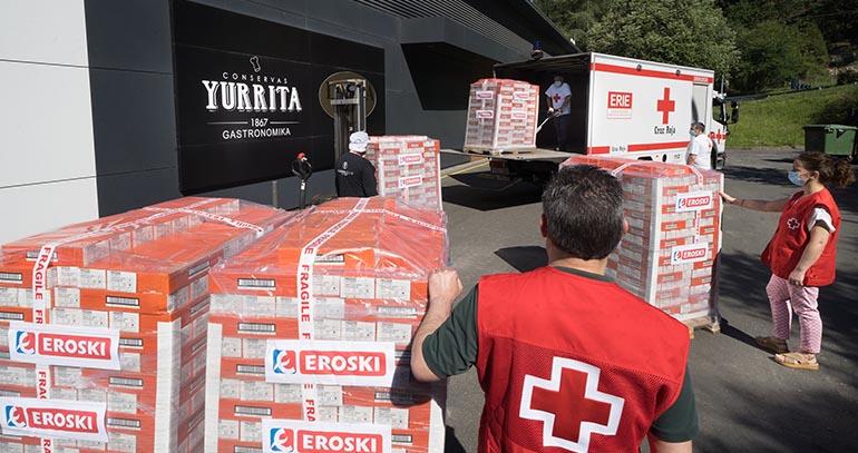 Eroski y Yurrita Group donan tres toneladas de Bonito del Norte en conserva